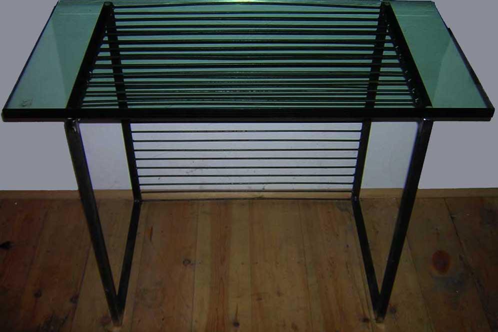 Image design panzerglas stahl tisch von carsten kaiser for Design tisch stahl