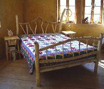 Kunsthandwerk, Möbel, Wildholz, Bett