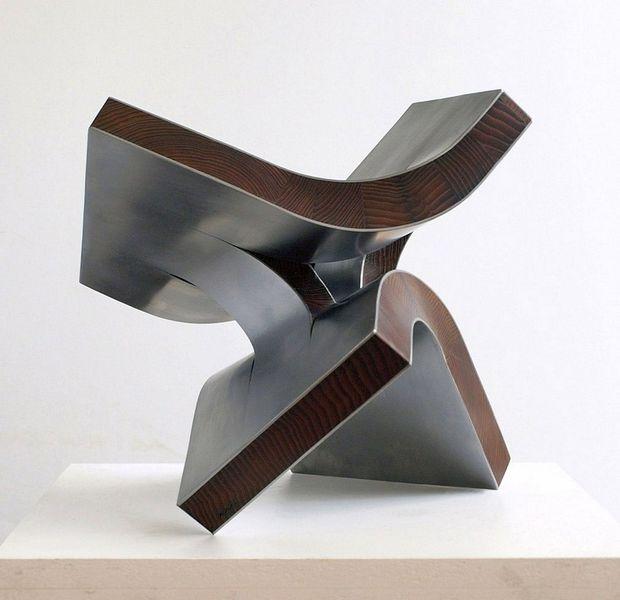Skulptur, Stahlskulptur, Entfaltung, Schweben, Schwingung, Begegnung