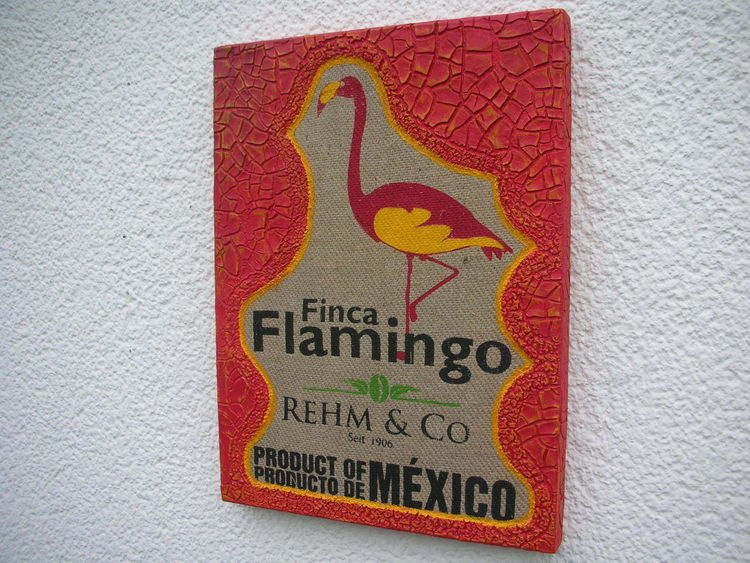 Flamingo, Holzbildhauerei, Strukturpaste kn17, Mischtechnik