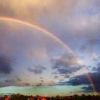 Regenbogen, Wolken, Meer, Häuser