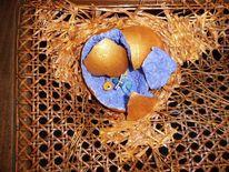 Bemalte stühle, Ei, Mischtechnik, Nest