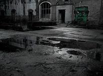 Industrieruine, Monster, Graffiti, Fabrikhalle