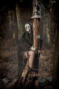 Maske, Tageslichtfotografie, Tod, Surreal