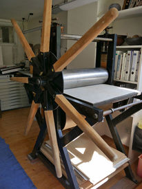 Tiefdruckpresse, Pinnwand,