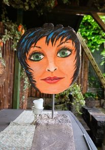 Gartenskulptur, Holzskulptur, Green eye girl, Landschaft