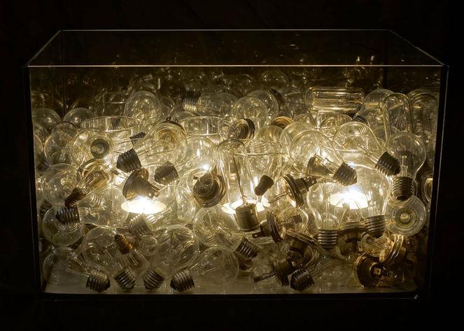 Krerzen, Lichtobjekt, Glühlampe, Akkumulation, Licht, Plastik
