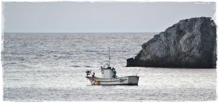 Ausfahrt, Abendstimmung, Seefahrt, Fischerboot, Mittelmeer, Fischfang