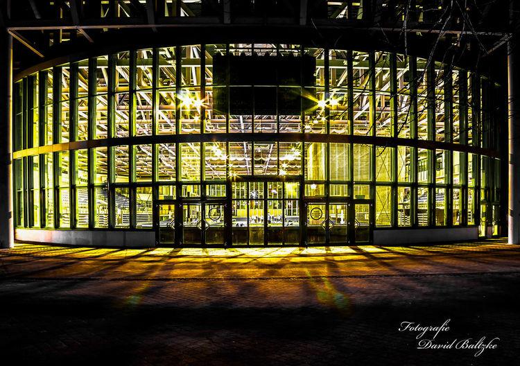 Jahnsportforum, Licht, Neubrandenburg, Schwarz weiß, Fotografie, Architektur