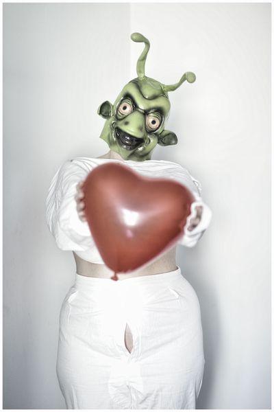 Herz, Tageslichtfotografie, Alien, Surreal, Maske, Fotografie
