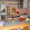 Paar, Kerzen anzünden, Pinnwand, Kerzen