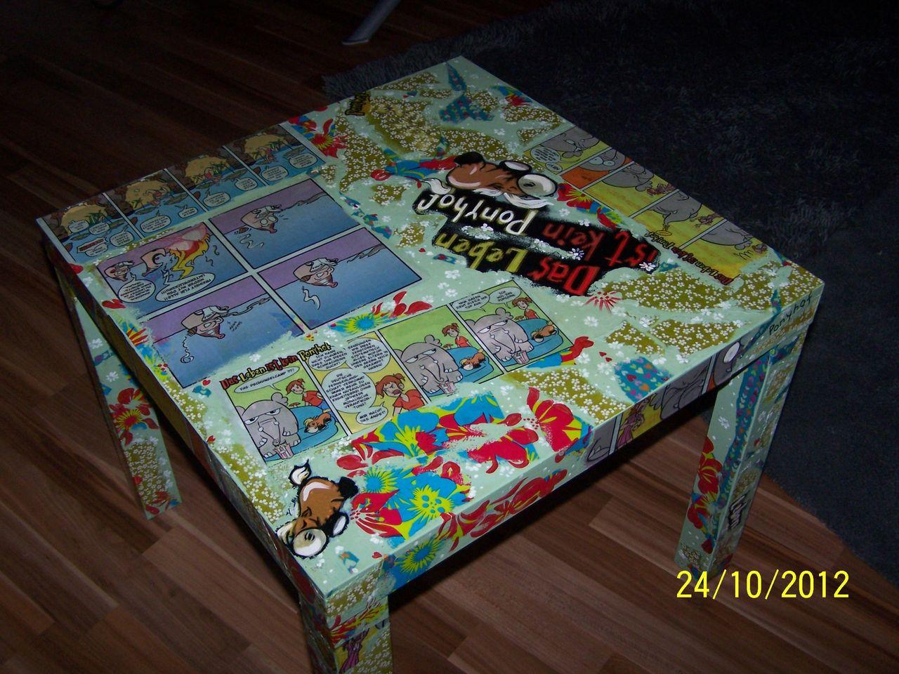 Comics Tisch