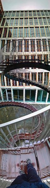 Vertikalpanorama, Abstrakt, München, Treppe, Fotografie, Regen