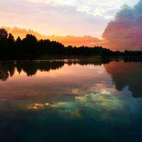 See, Wolken, Bäumebüsche, Spiegelung
