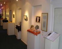Plaststiken, Malerei, Skulptur, Ausstellung