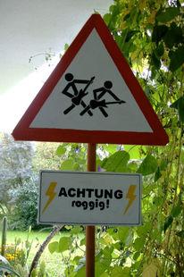 Warnschild, Felsen, Trichterwinde, Gefahr