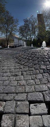 Brunnen, Mathäuskirche, Granit, Vertikalpanorama