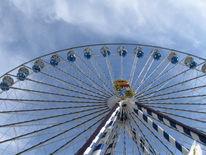 Himmel, Schleierwölkchen, Riesenrad, Blau