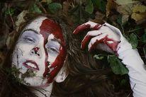 Blut, Tod, Bleich, Gesellschaft