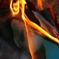 Lodern, Feuertänzerin, Flammen, Trägerin