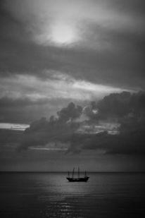 Schwarz, Wolken, Weiß, Schiff