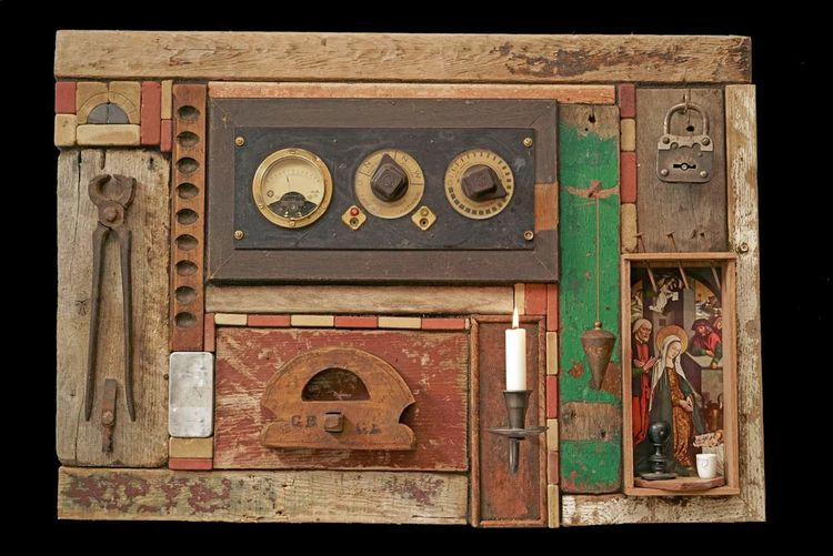 Assemblage, Collage, Treibholz, Plastik, Großvater