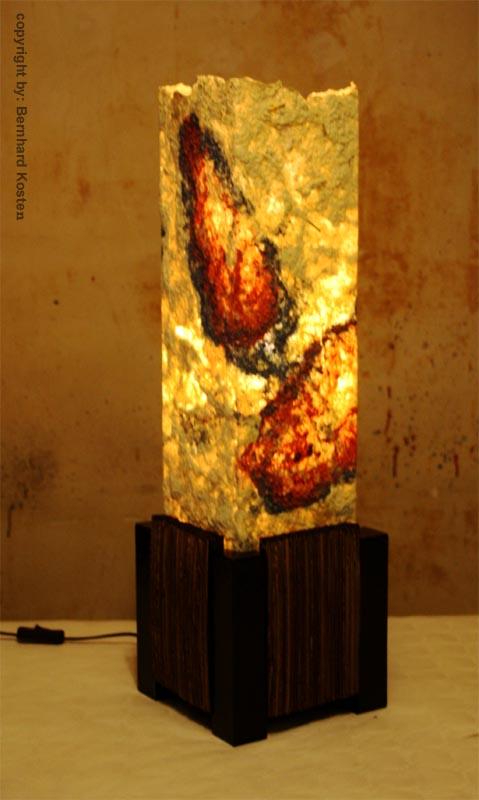 stehlampe aus gegossenem papier und pappe bild kunst von createur bei kunstnet. Black Bedroom Furniture Sets. Home Design Ideas