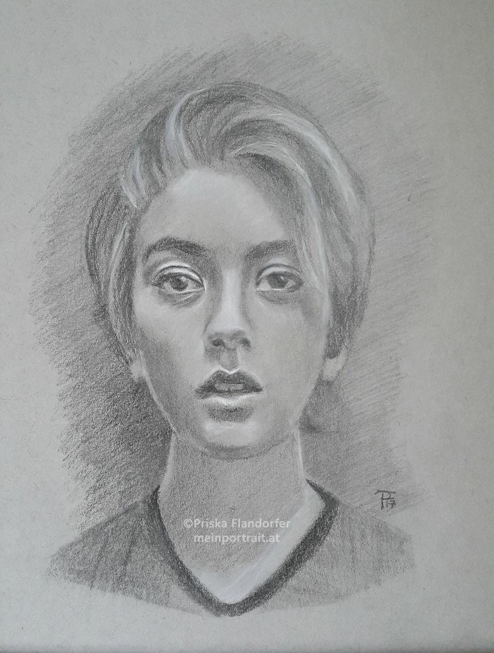 bild portrait zeichnung frauenportrait portraitzeichnung von priska bei kunstnet. Black Bedroom Furniture Sets. Home Design Ideas