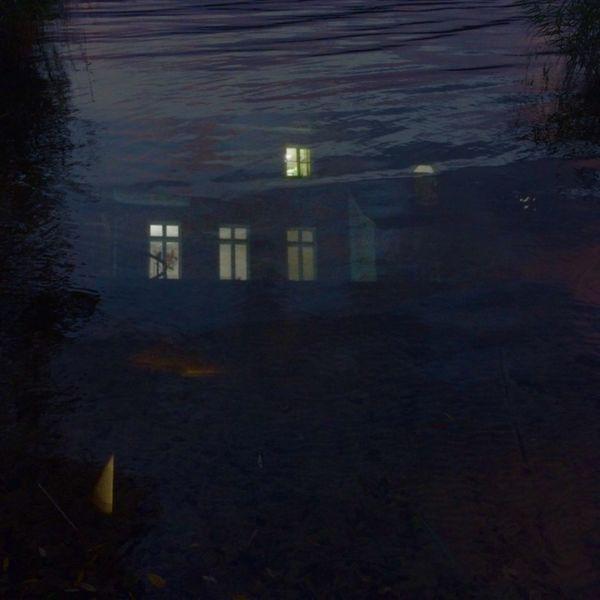 Haus, Nacht, Licht, See, Mischtechnik, Wasser