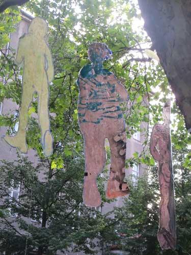 Female artists berlin, Gegenwartskunst, Fahnenbilder, Art berlin, Zeitgenössisch, Out door