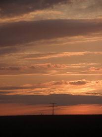 Strommasten, Feld, Wolken, Himmel