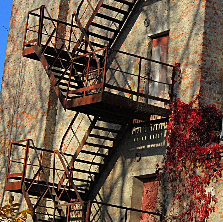 Bild treppe haus architektur fotografie von igor marinovsky bei kunstnet - Treppen architektur ...