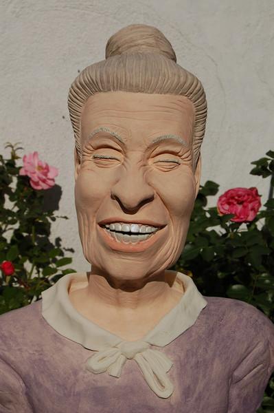 Lachen, Oma, Büste, Keramikfigur, Tonplastik, Figural