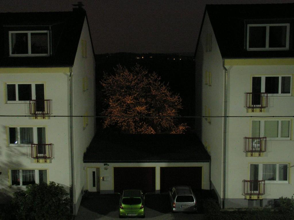 bild nachtbl te beleuchtung indirekt fotografie von rowo bei kunstnet. Black Bedroom Furniture Sets. Home Design Ideas