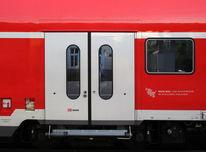 Zug, Eisenbahn, Zugtür, Fotografie