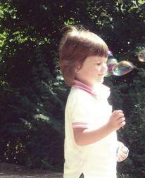 Kind, Freude, Angst, Seifenblasen