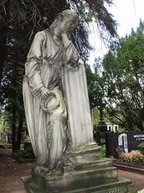 Schmerz, Skulptur, Saarlouis, Friedhof