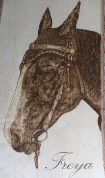 Tierportrait, Pferde, Holz, Brandmalerei