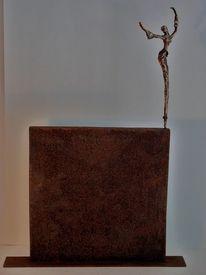 Tänzerin, Keinplastik, Bronze, Rost