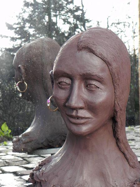 Spiegelbild tonarbeit skulptur, Schwarzton, Frau, Sidecut, Goldring, Plastik