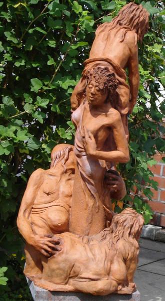 Plastiken, Skulptur, Figur, Kirche, Wasser, Keramikfigur