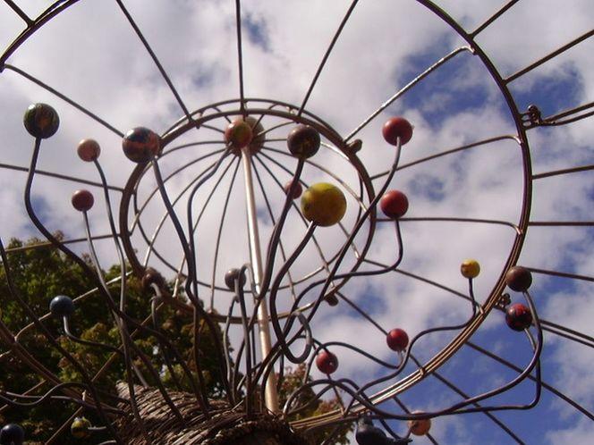 Baum, Himmel, Universum, Park, Skulptur, Fotografie