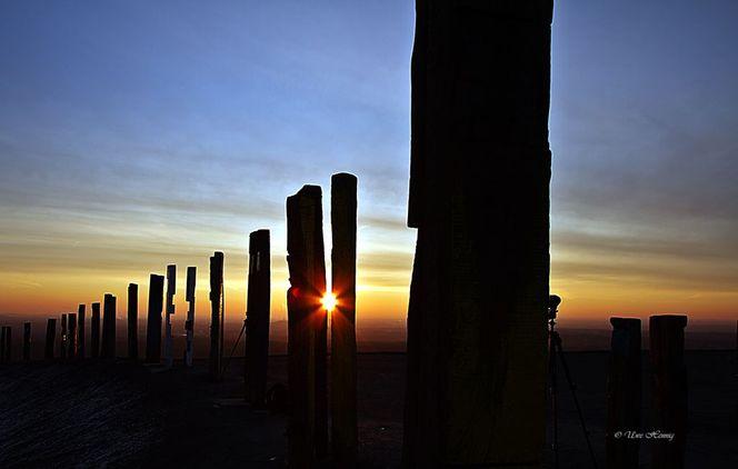 Sonnenaufgang, Eisenbahnschwellen, Himmel, Holz, Halde, Sonne