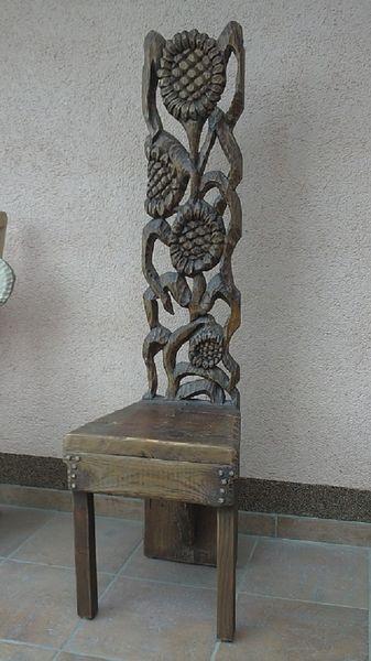 Designstuhl, Holzstuhl, Stuhl, Blumen, Schnitzkunst, Holzskulpturen