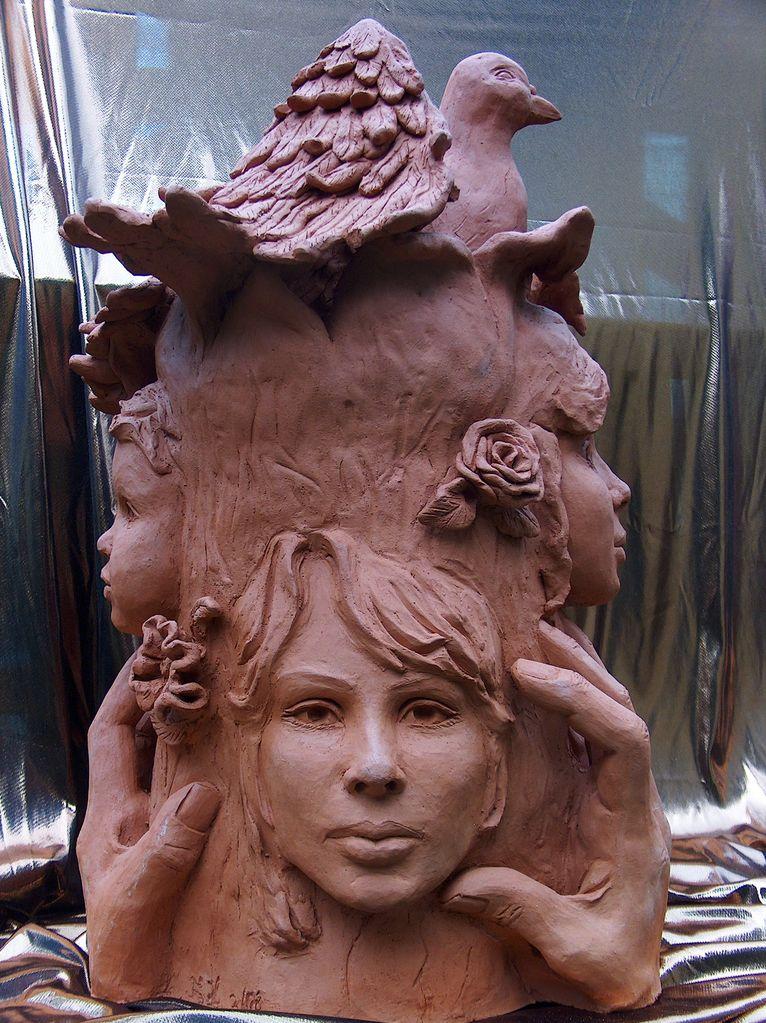 Lebensbaum aus ton skulptur exclusiv himmel for Gartenskulpturen aus ton