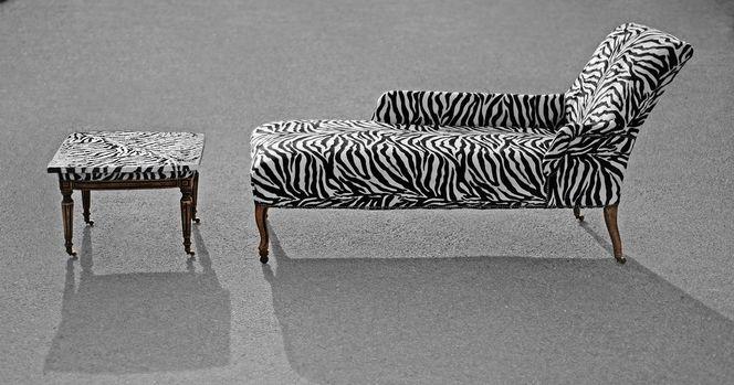 wildlife sofa zebra afrika design von marina greif bei kunstnet. Black Bedroom Furniture Sets. Home Design Ideas