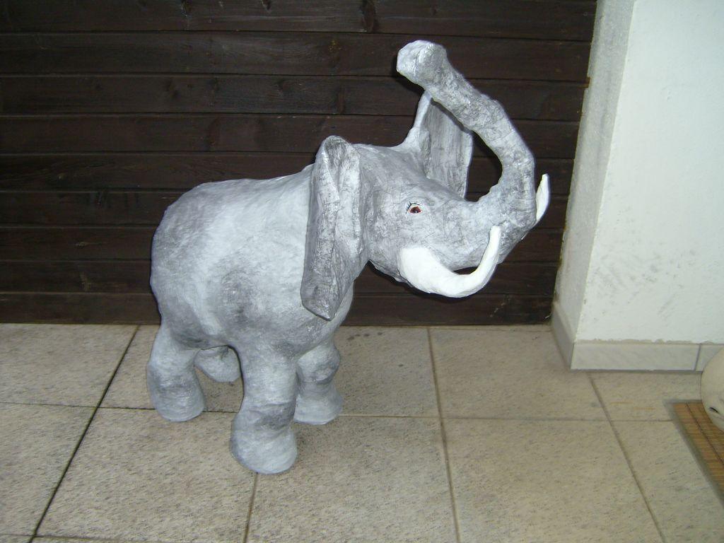 bild pappmaschee dekoration elefant tiere von wunderkindin bei kunstnet. Black Bedroom Furniture Sets. Home Design Ideas