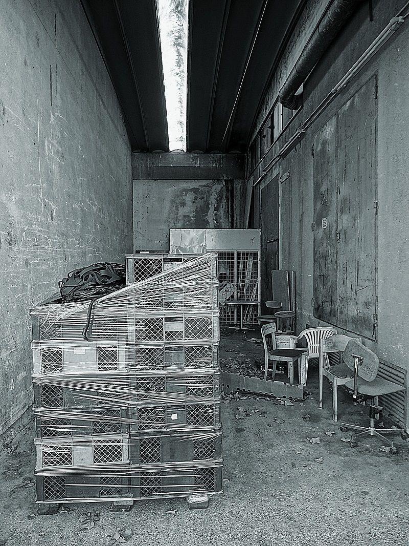 gesellschaft architektur fotografie menschen von fuler bei kunstnet. Black Bedroom Furniture Sets. Home Design Ideas