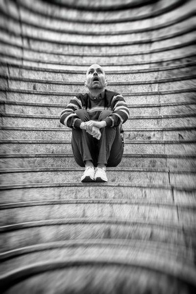 Treppe, Portrait, Staunen, Tageslicht, Verzerrung, Menschen